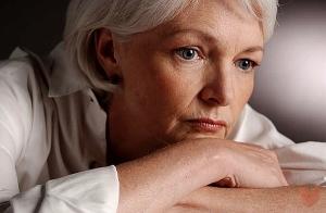 Боли в суставах и мышцах при климаксе — причины недомогания и ...